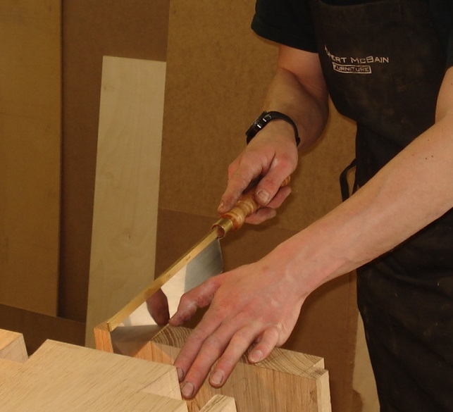Cutting the large carcass dovetails
