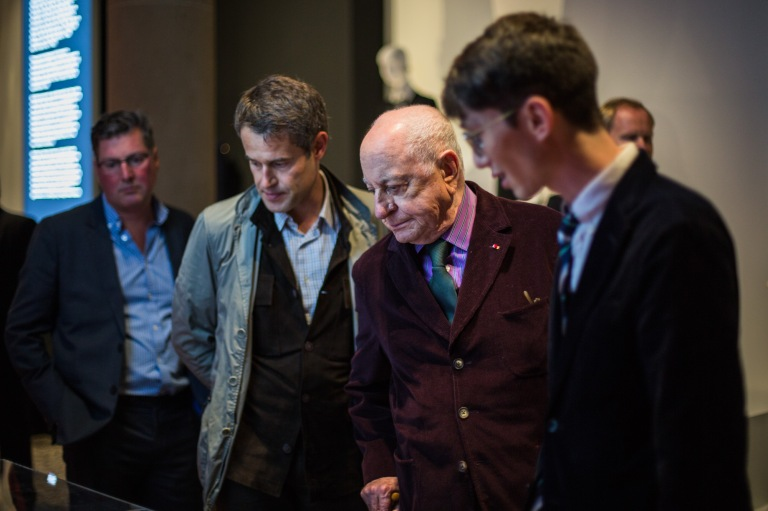 Pierre Bergé & his team see the exhibition for the first time