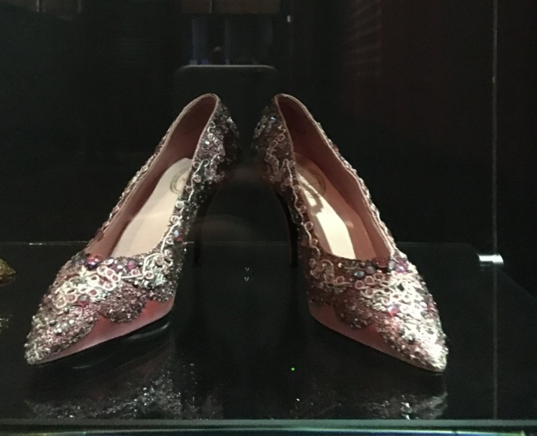 Roger Vivier for Christian Dior © Victoria and Albert Museum